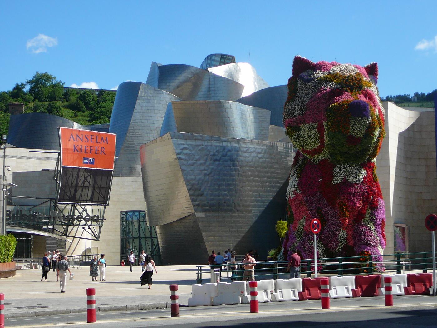Flower Dog at Guggenheim Museum