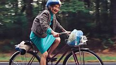 90-jährige Radlerin - ewig jung!