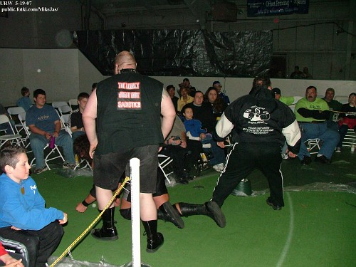 URW 5-19-07-219- URW Title match