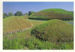 Ireland - Knowth Tombs