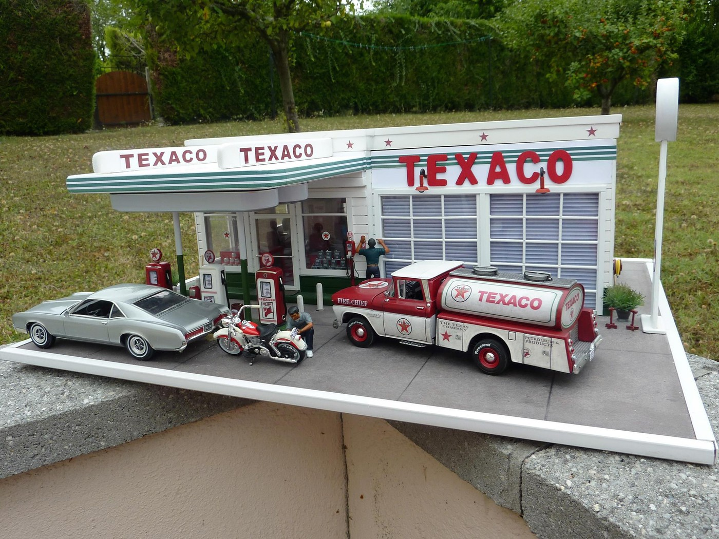Chevy pickup 60 citerne texaco terminé - Page 3 Photo2-vi