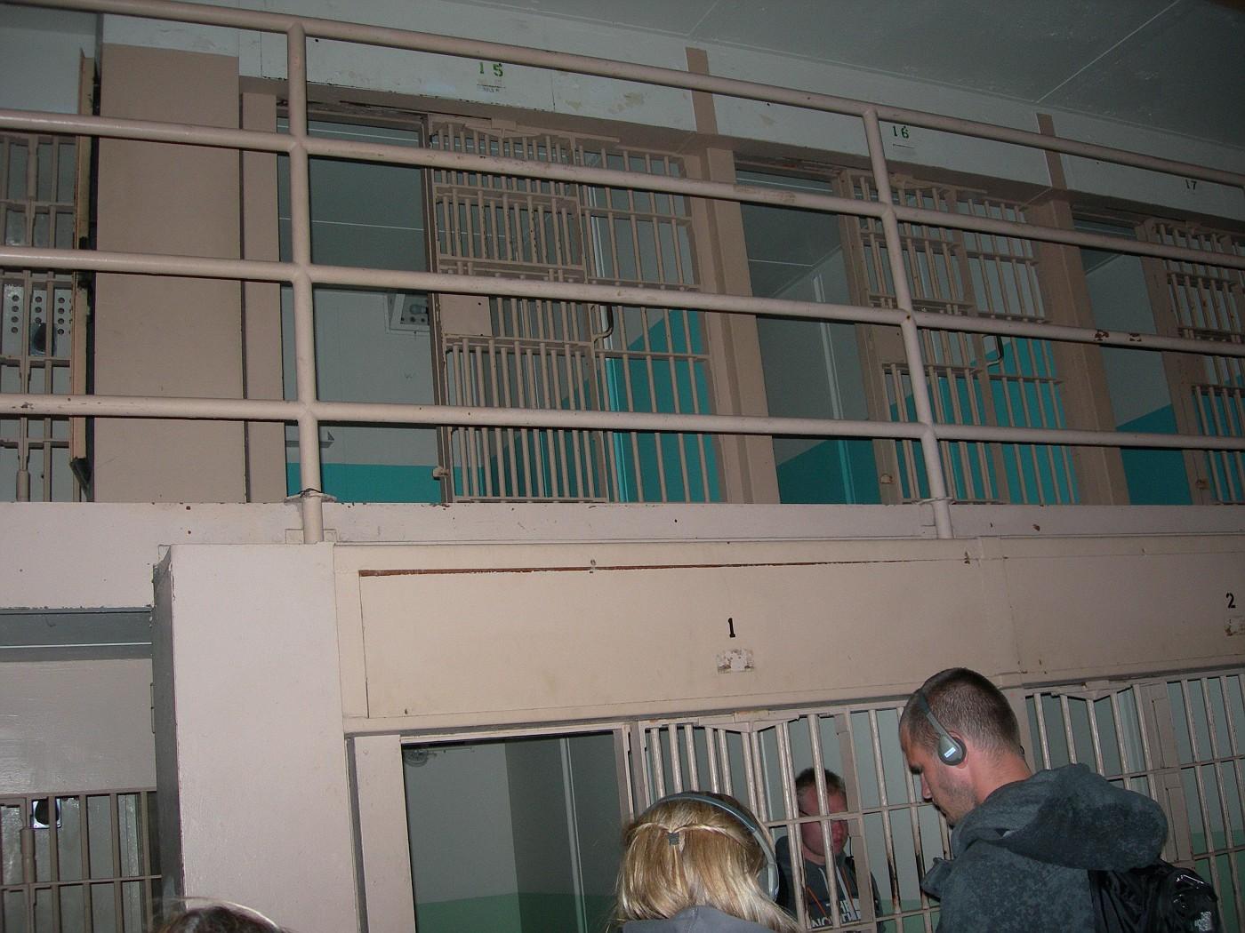 Alcatraz 6