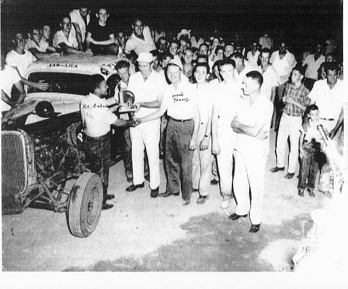 K C Richards wins mid season race in car 1190 at Tri Cities 1955