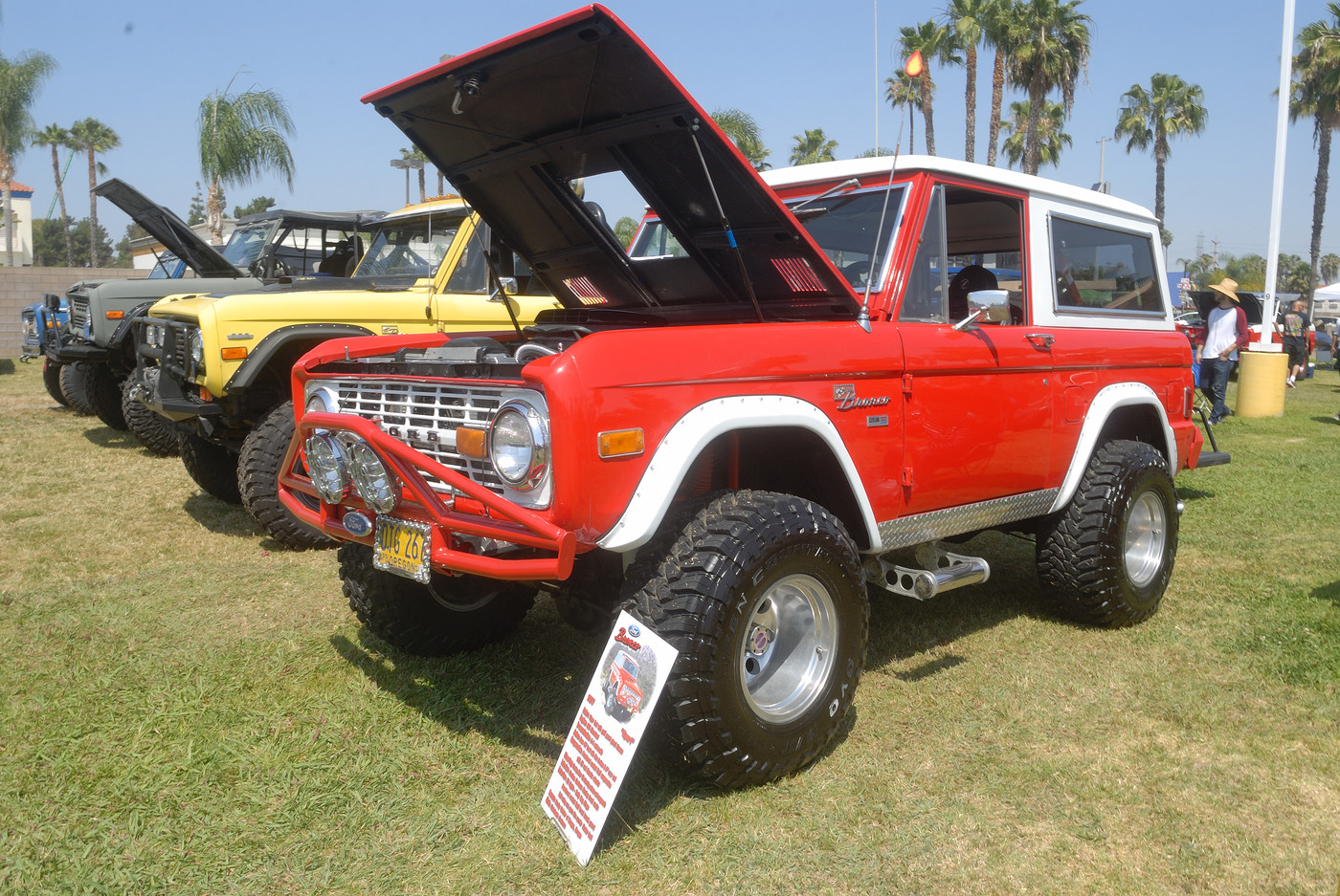 1977 Ford Bronco owned by Rocky and Donna Geisler DSC 4892