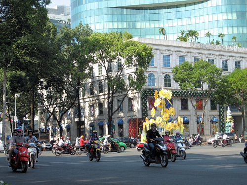Saigon traffic, free for all!