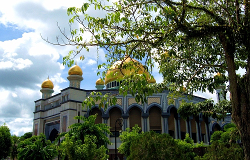 Commonly called the Sultan's Mosque.