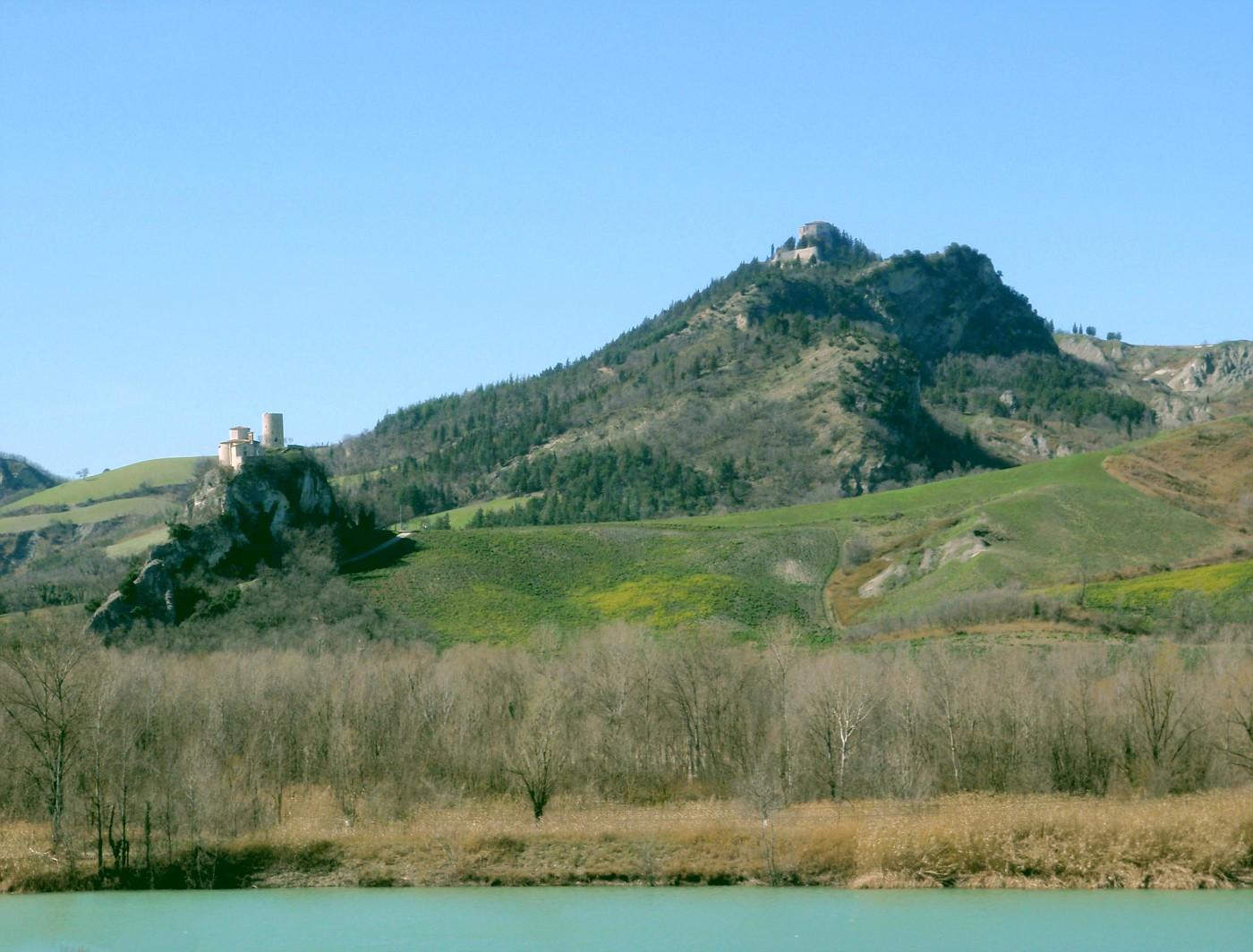 Castello Montebello e Santuario Madonna di Saiano