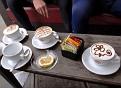 Tre cappuccini e una tè