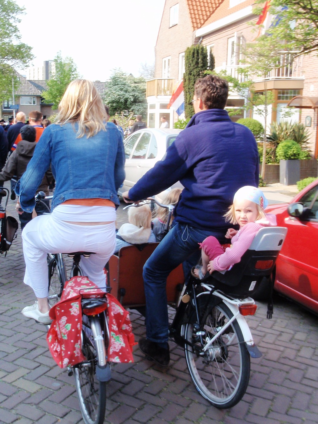 Family cycle life.