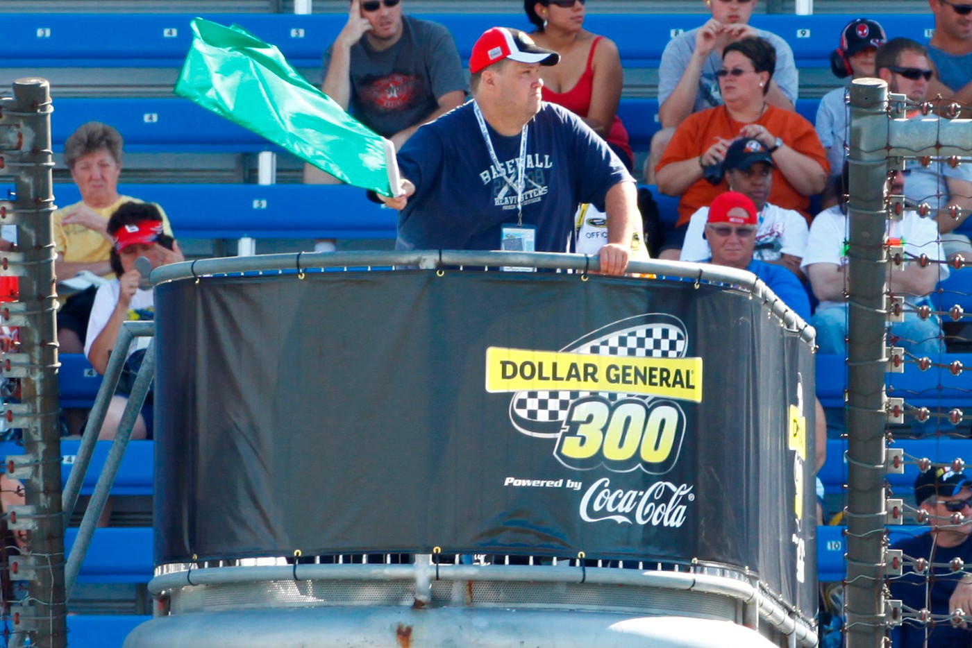 Waving the green during qualifying