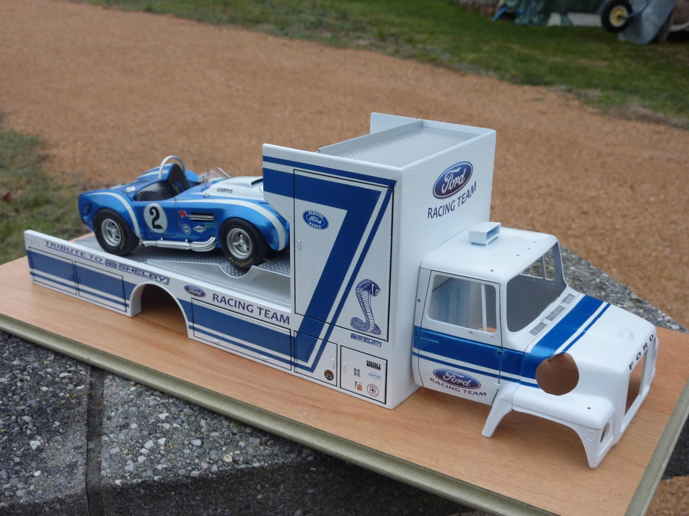 """Ford Louisville racing car hauler """" tribute to Caroll Shelby """" Terminé  - Page 2 Photo6-vi"""
