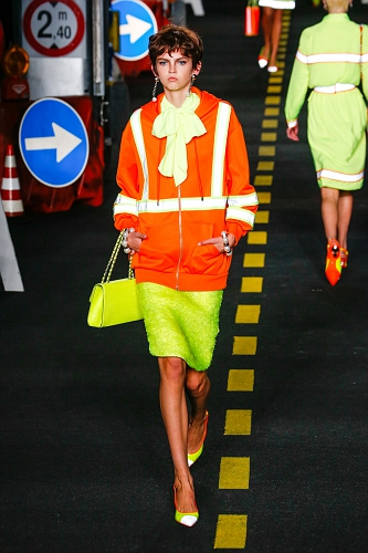Moschino SS16 MIL 019