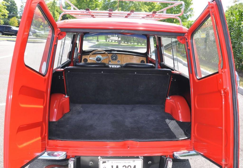 Photo 1964 Mini Countryman Luggage Compartment 2 Mini Classic