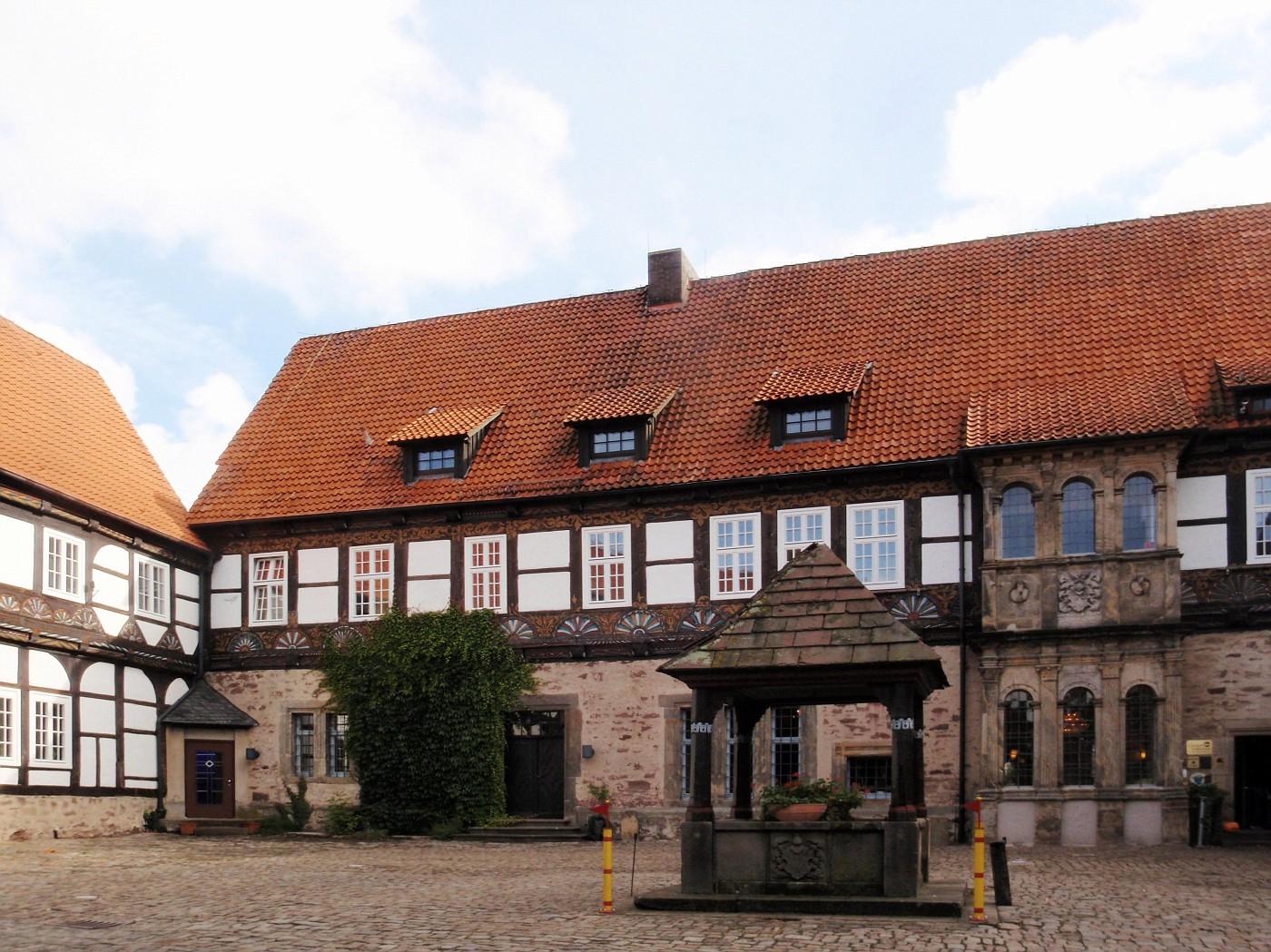 Innenhof der Burg Blomberg