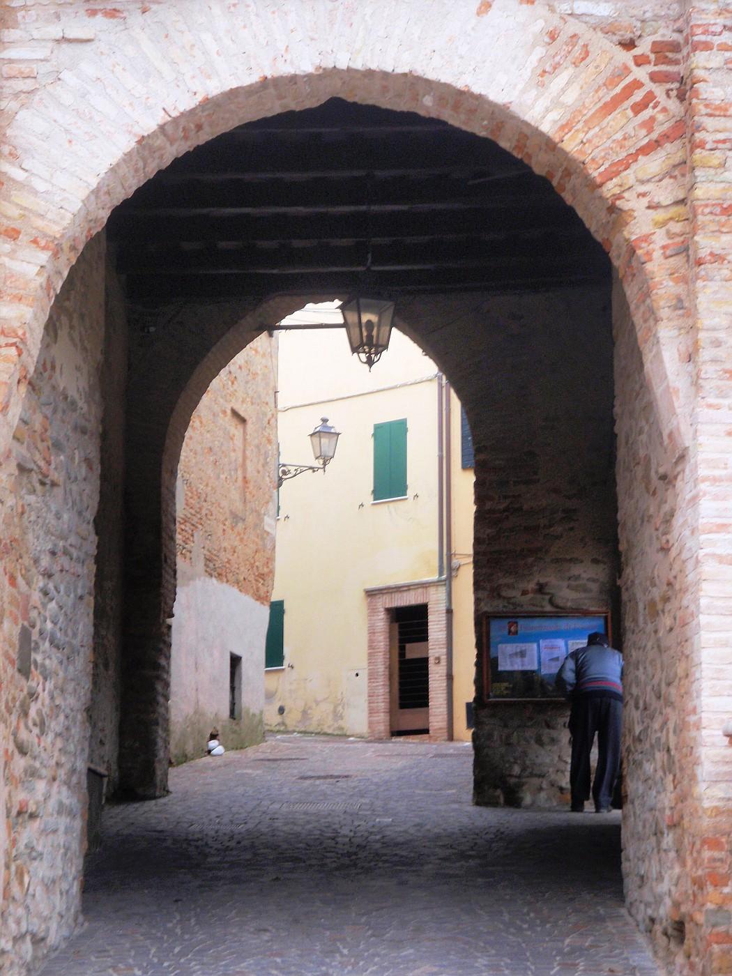 Porta Dante, Fiorenzuola di Focara