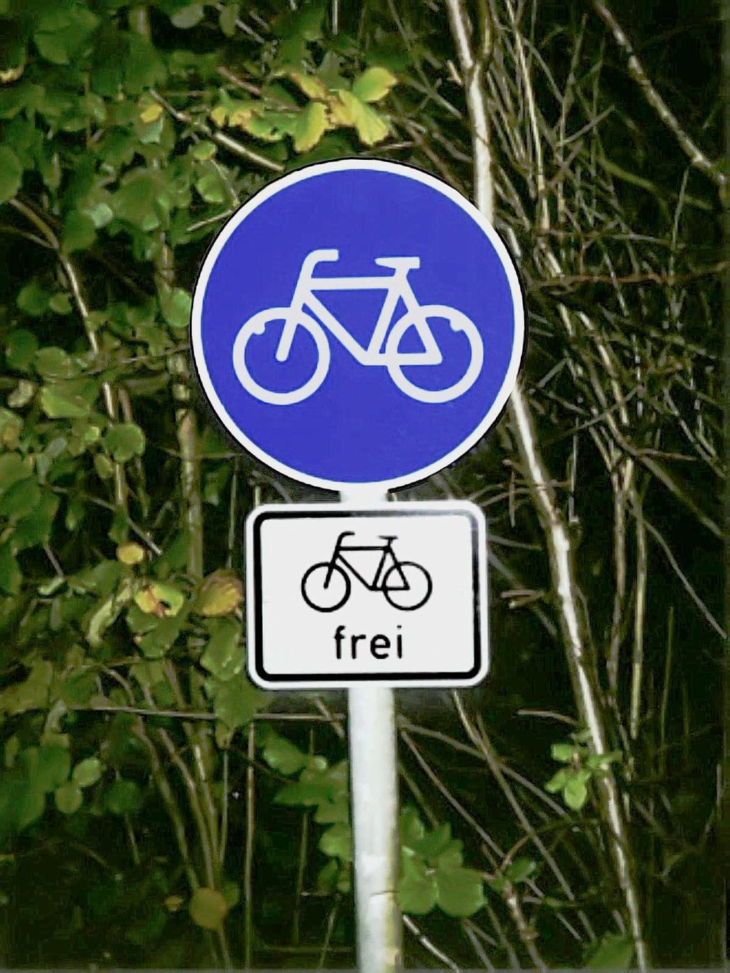 Radweg für Radfahrer frei!