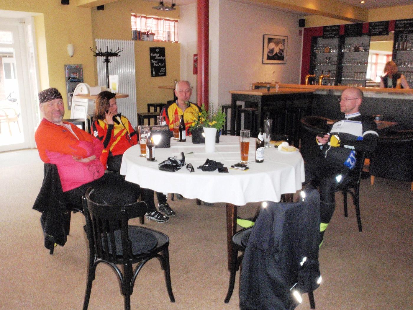 Nach der Tour im Café Schnieders