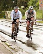 Radmarathonis trotzen Regen, Wind und Kälte
