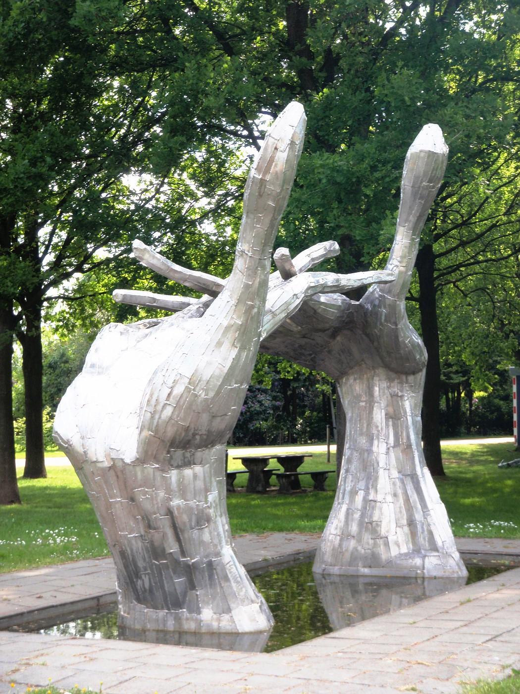 Sculptuur in Geesbrug