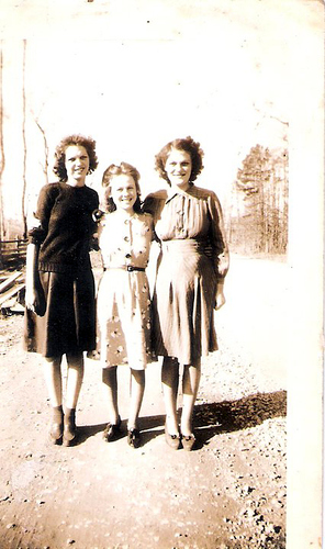 97-Great Aunt Evelyn, Ruby Moffett and Mamaw Aree