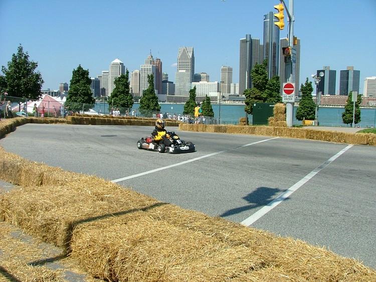 Photo windsor07 043 windsor karting grand prix 2007 for Finepix s5000 prix