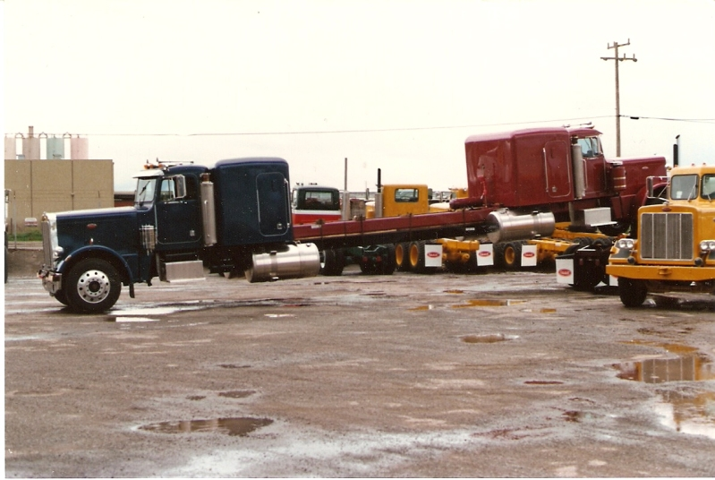 Pair of Peterbilt Glider kits