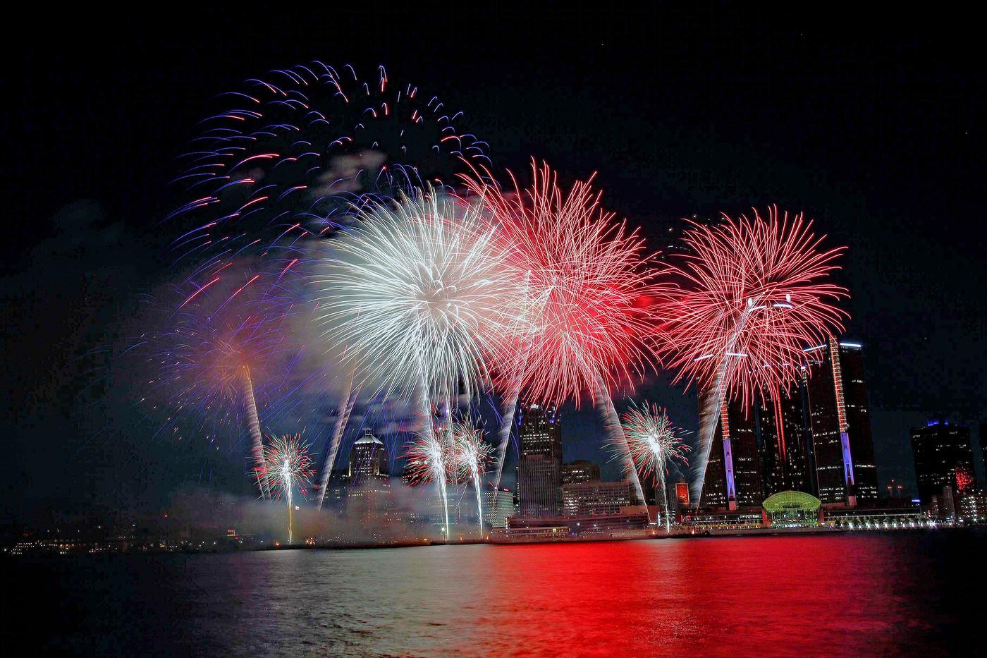 Det Fireworks 6-25-18 Windsor 1728 edited-3