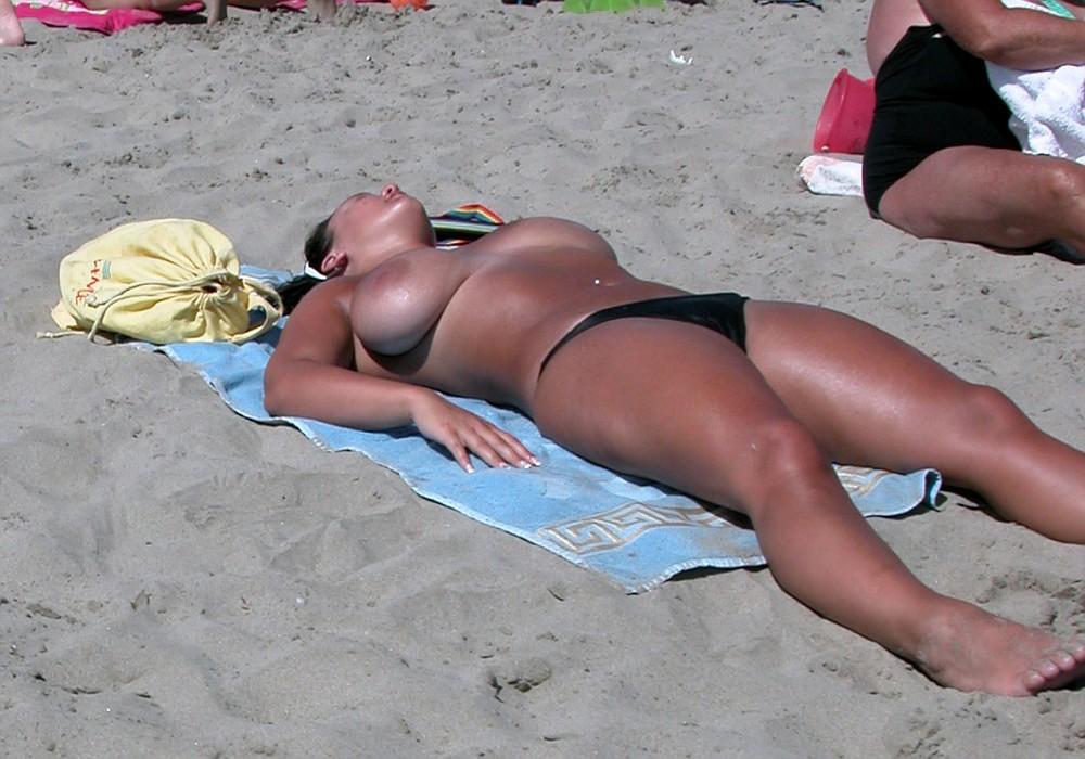 Порно онлайн на диком пляже — pic 13
