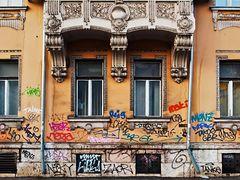 """""""Verzierungen"""" einer Barockhausfassade"""