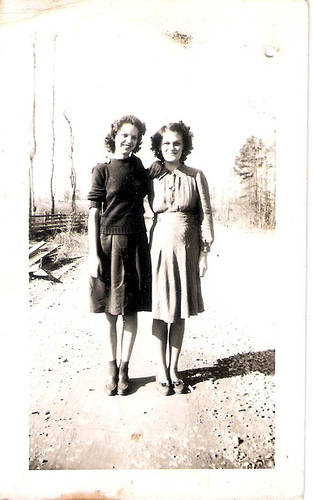 38-Mamaw Aree and Evelyn Moffett
