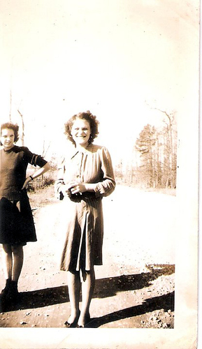 13-Mamaw Aree Moffett and Aunt Evelyn