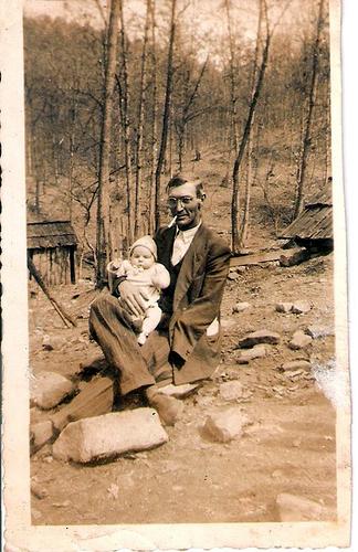 6-Great Grandpa Archie Moffett and Uncle Del
