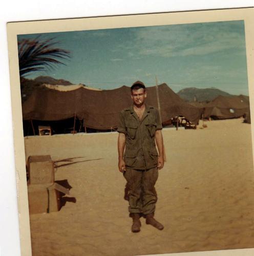 2-Jackie Oakes in Vietnam