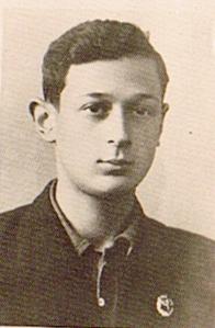 """Двоюродный брат матери Михаил Коростышевский, погиб в 1943 г., сражаясь с бригадой """"Эдельвейс"""" на Кавказе."""