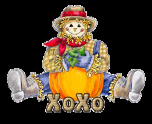 XoXo - AutumnScarecrowSitting