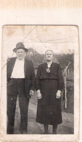 217-Great Great Grandparents Shug and Louanna Laxton